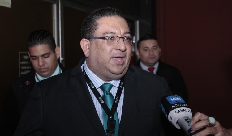 Ricaurte González, fiscal superior dentro del juicio seguido a Ricardo Martinelli. Foto de Víctor Arosemena.