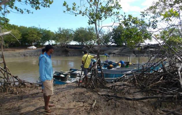 Frustran intento de robo a pescadores en Los Santos