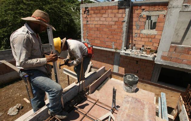 Municipios y juntas comunales reciben $73.7 millones para obras públicas