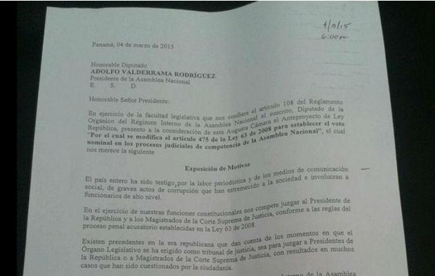 Presentan anteproyecto de ley para establecer el voto nominal en los procesos judiciales