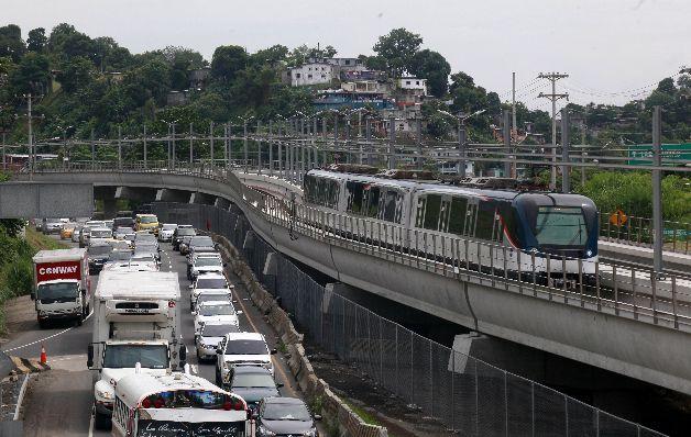 Estación del metro abre sus puertas con 2 meses de retraso