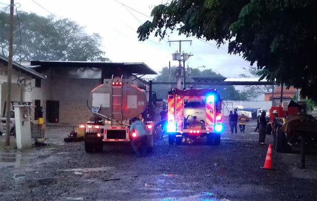 Bomberos sofocan incendio en f brica de granito en david for Fabrica de granito