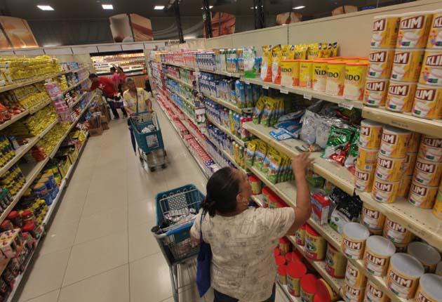 Control de precio: Los ciudadanos han señalado que el sistema del control de precio no ha sido efectivo porque cada día los alimentos están más caros, tanto en el supermercado como en las tiendas.