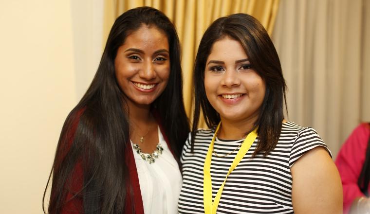4. Wendy Mendoza y Victoria Murgas.