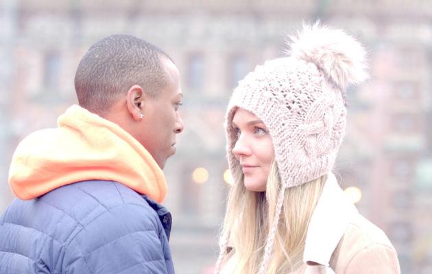 Joshua Blake y Ekaterina Pripasnikova en la comedia 'Congelado en Rusia'. Foto: Cortesía QFilms.