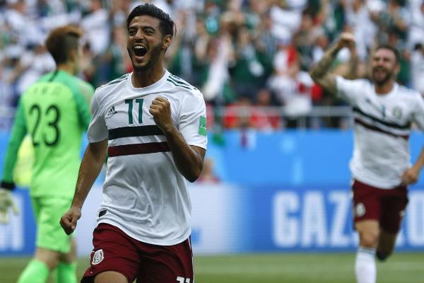 Carlos Vela festeja su gol ante Corea del Sur. Foto:AP