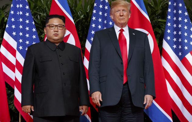 Donald Trump y Kim Jong-un, se reunieron en junio de este año. FOTO/AP