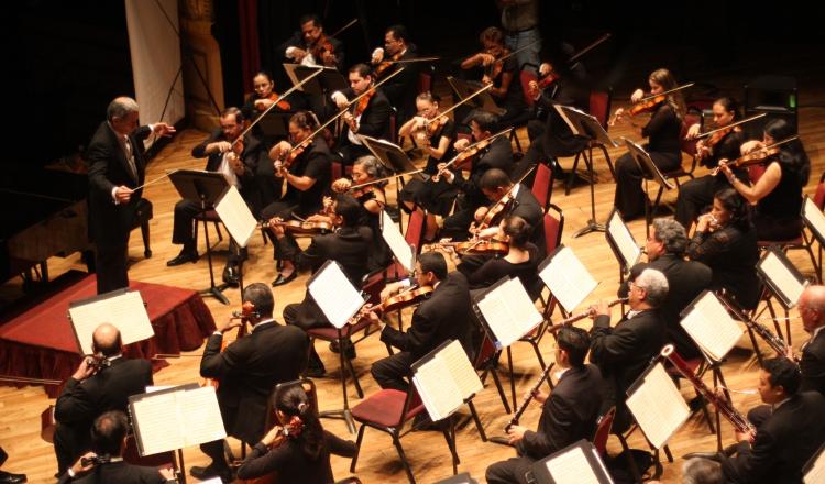 Jorge Ledezma Bradley dirige Sinfónica Nacional. /Foto Archivo.