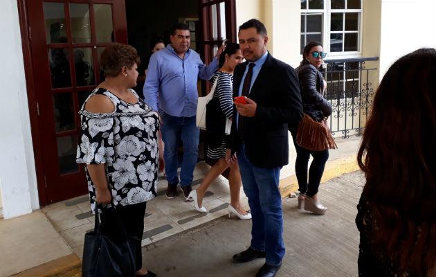 Familiares de Aira Guerra al momento de salir del Tribunal. Foto: José Vásquez.