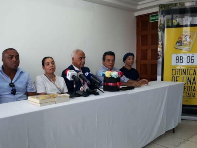Afectados y familiares de las víctimas en conferencia de prensa. Foto/Víctor Arosemena