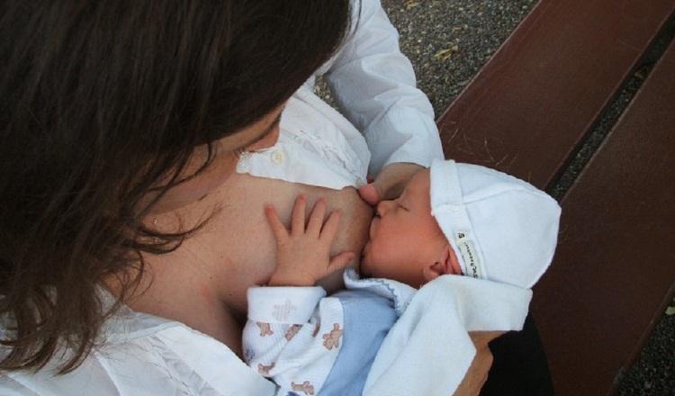 El tiempo de lactancia a demanda recomendado por los médicos es de seis meses. /Foto: Panamá América