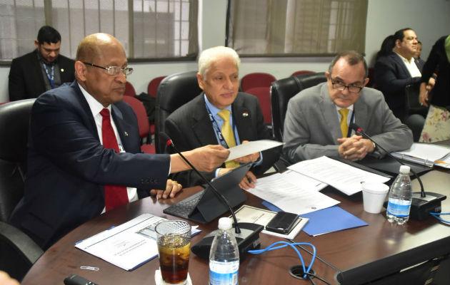 Ministro de Economía y Finanzas, expuso la situación fiscal del Sector Público No Financiero (SPNF).
