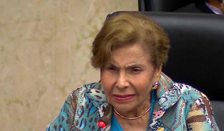 La diputada Mayín Correa ha mantenido una posición firme contra las malas actuaciones de la procuradora Kenia Porcell.