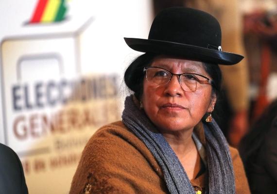María Choque Quispe presentó su renuncia