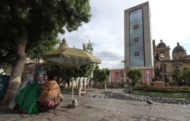 Plaza Murillo y el Palacio de Gobierno luego de la renuncia del presidente de Bolivia, Evo Morales. FOTO/EFE