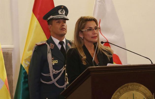 Ministros entrantes durante el acto de juramentación del nuevo gabinete de Gobierno, en La Paz (Bolivia). Foto: EFE.