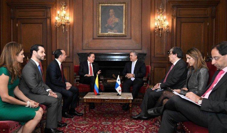 Unas ocho horas duró la visita de Cortizo a Colombia. Foto de cortesía