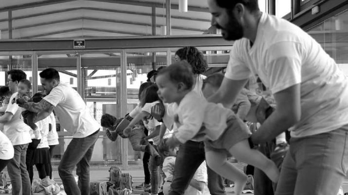 Los padres están preparados hormonalmente para invertir más tiempo y energía en la crianza en lugar del esfuerzo de apareamiento. Foto: EFE.