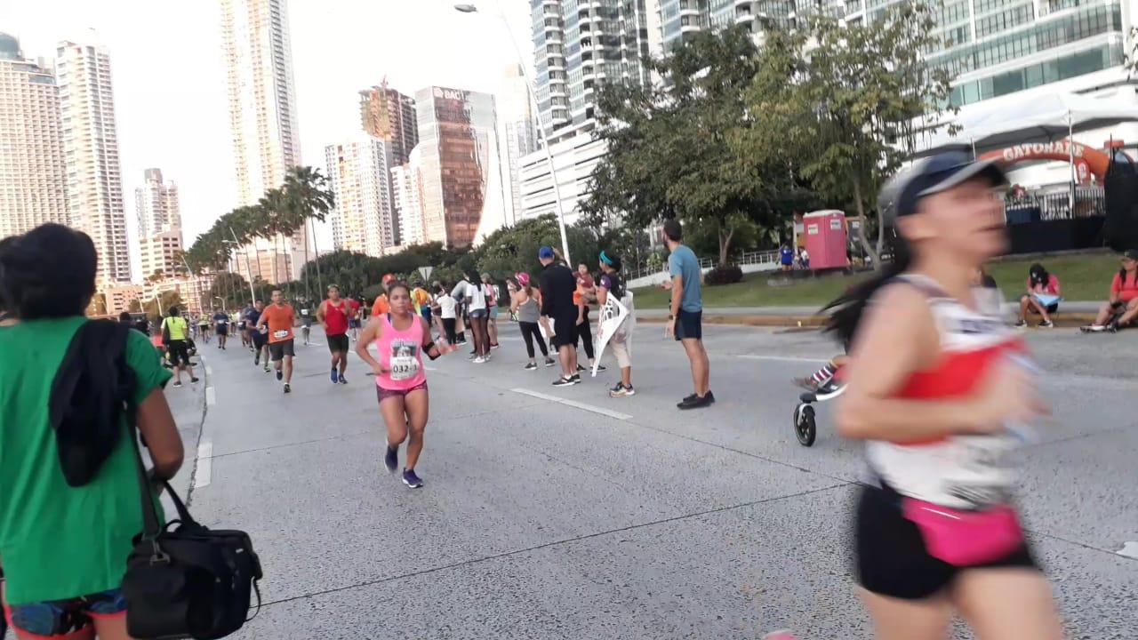Corredores participantes en la Maratín Internacional de Panamá.
