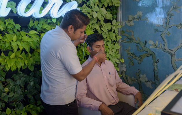 El dueño de Oxy Pure dijo que planeaba abrir tiendas en el aeropuerto de Nueva Delhi y en Mumbai y Bangalore. Foto/ Smita Sharma.