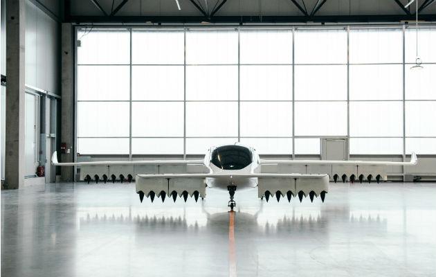 Lilium es una de 20 compañías construyendo taxis aéreos. El prototipo tiene 36 motores. Foto/ Felix Schmitt.