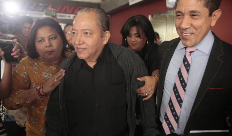 Salida de David Cosca y su  abogado Javier Quintero, de la audiencia en el SPA. VÍCTOR AROSEMENA