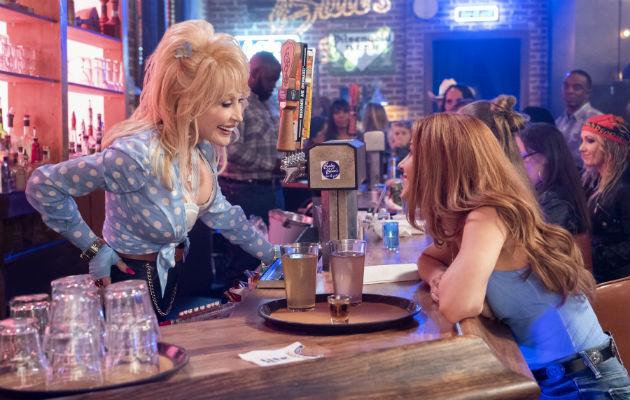 A los 73 años, Dolly Parton aún halla nuevos públicos. Un episodio de una serie en Netflix basada en sus canciones. Foto/ Netflix.