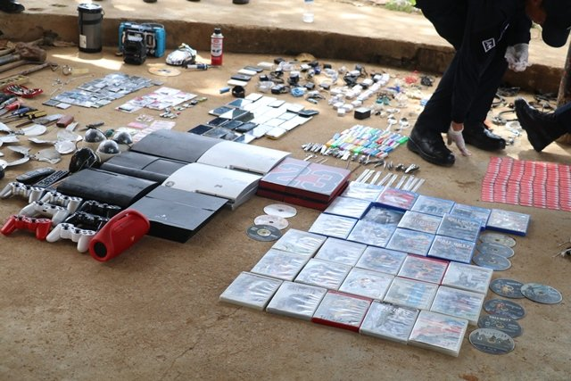Esta es la tercera requisa que se realiza en La Joyita tras la reyerta donde fallecieron 15 reclusos. Foto: Policía Nacional.