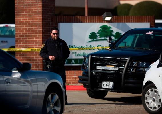 Las autoridades han divulgado muy pocos detalles sobre las víctimas, el agresor y el móvil. FOTO/AP