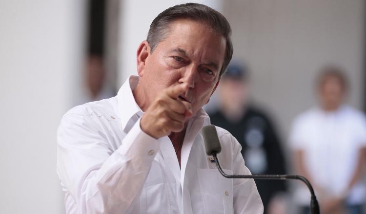 Al igual que sus ministros, cuando presentaron el informe, el presidente lamentó el estado de desidia en que fueron encontradas las principales cárceles del país. Foto de Víctor Arosemena