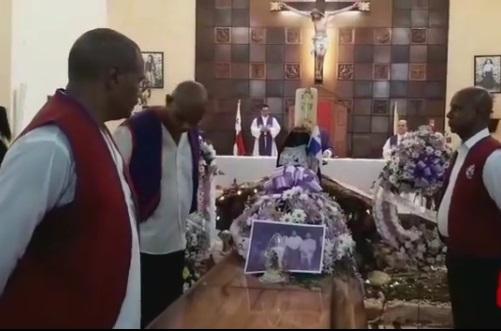Durante la misa de despedida de Sorolo. Foto: Crítica