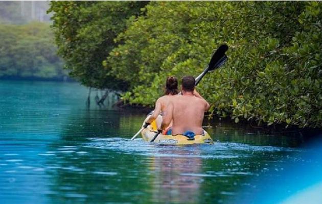 El kayac es uno de los deportes que disfrutan los turistas locales y extranjeros en época de verano a nivel nacional. ATP