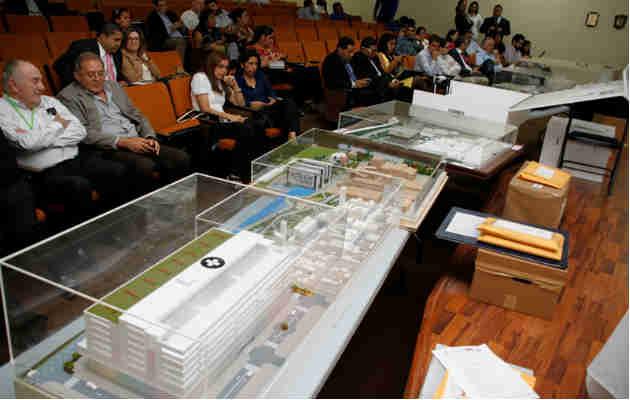Ministra Rosario Turner se refiere a licitación del Hospital del Niño. Foto/Archivos