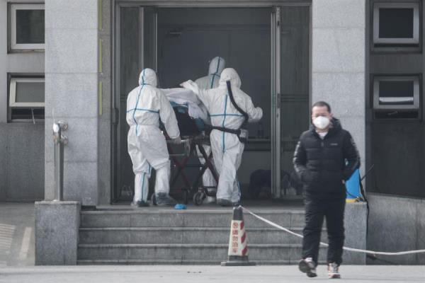 El caso llega poco después de la confirmación por parte del Gobierno chino de que el virus puede transmitirse de persona a persona y de un aumento significativo de los casos en el gigante asiático. FOTO/EFE