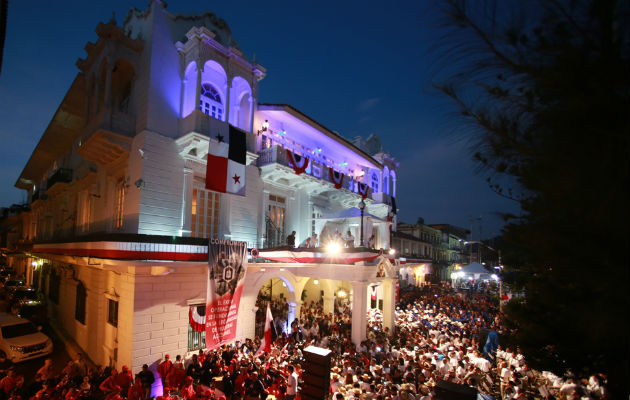 El gobierno gastó 17 mil dólares en fuegos artificiales para las fiestas patrias. Foto: Panamá América.