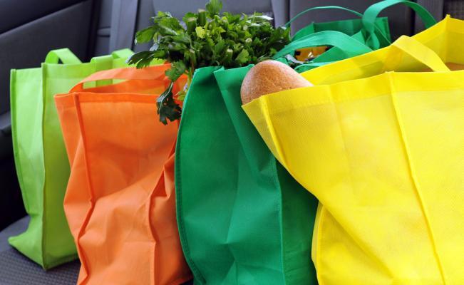 La Ley 1 establece que los comerciantes podrán optar por el cobro o no de las bolsas reutilizables.