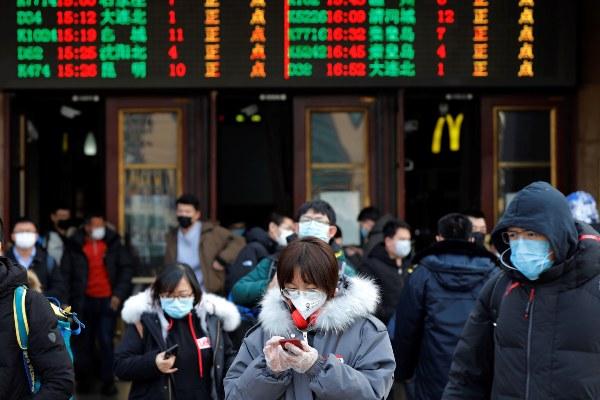 China logró batir el récord de enfermos curados del coronavirus causante de la neumonía de Wuhan y en solo un día 72 personas abandonaron el hospital. FOTO/EFE