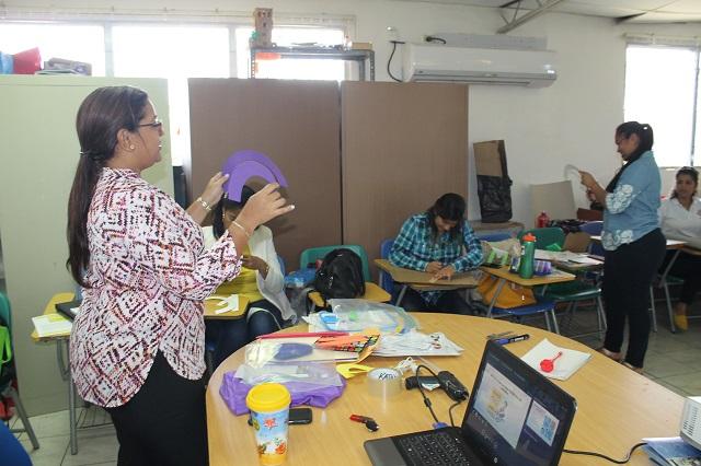 La semana pasada concluyó una jornada, en la cual se instruyó a 500 docentes y 180 técnicos.