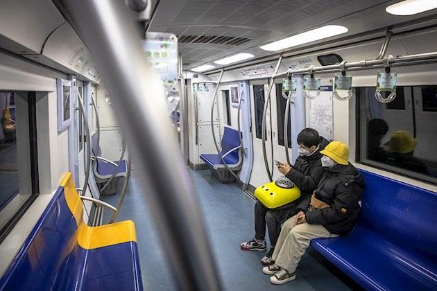 Las autoridades chinas han tratado de proyectar una imagen de normalidad institucional y alentado a las empresas a que reanuden su actividad siempre que tomen