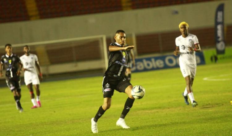 Ismael Díaz jugó tres partidos con Tauro. Foto: Anayansi Gamez