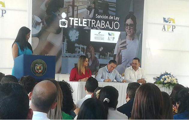 El presidente Laurentino Cortizo indicó que la Ley de Teletrabajo es beneficiosa para la economía. Foto/@KWCONTINENTE