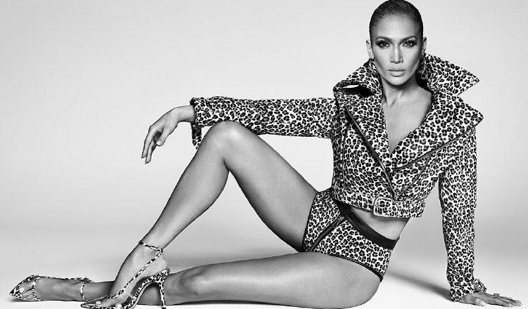 Jennifer López está lista para el lanzamiento de su nueva línea de zapatos y carteras. Instagram