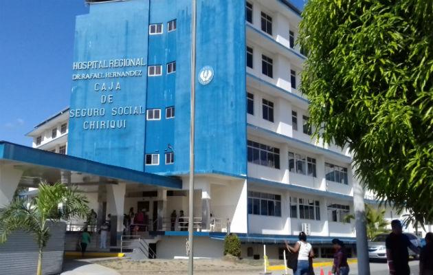 Los heridos fueron trasladados al cuarto de urgencias del hospital Rafael Hernández en David. Foto: José Vásquez.