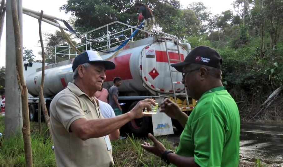 La verificación de la calidad del agua que se usan en los culecos es una de las tareas de los funcionarios del Minsa durante estos carnavales.