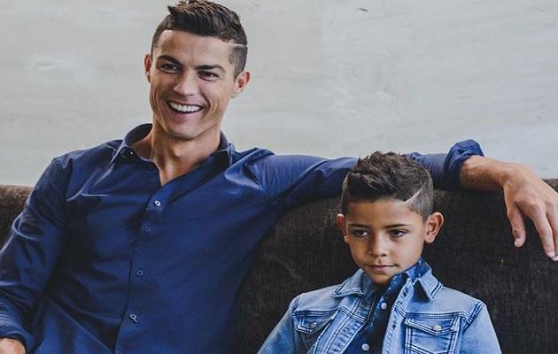 Ronaldo Jr. sigue los pasos de su padre.