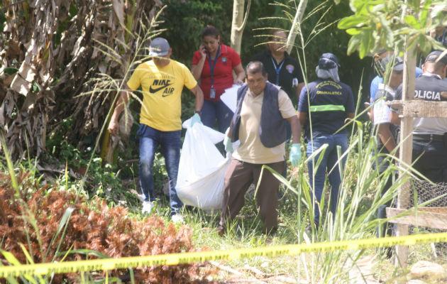 El cadáver estaba en una quebrada en el corregimiento de Guadalupe. Foto: Eric Montenegro.