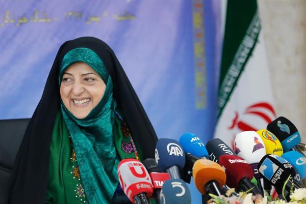 La vicepresidenta para Asuntos de la Mujer y de la Familia de Irán, Masumeh Ebtekar, es una destacada responsable iraní que anteriormente ocupó la vicepresidencia de Medio Ambiente. FOTO/EFE