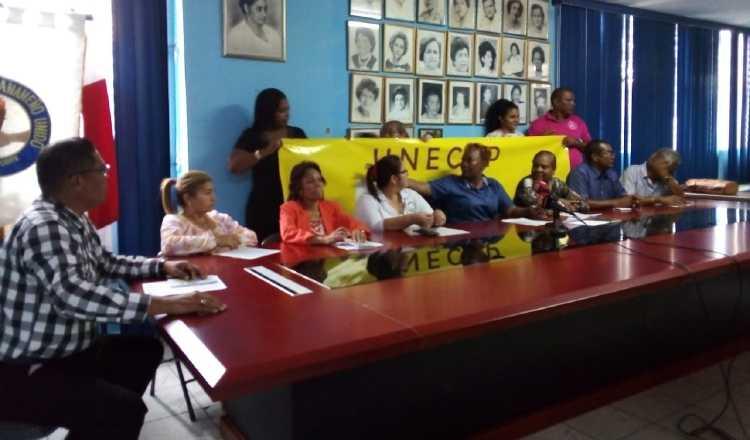 Docentes dicen que el dinero que se les da a las juntas comunales también debería servir para apoyar a la educación. Sugey Fernández