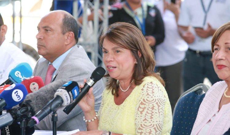 La ministra Maruja Gorday dijo que, poco a poco, las escuelas que falten se iniciarán las clases. Cortesía