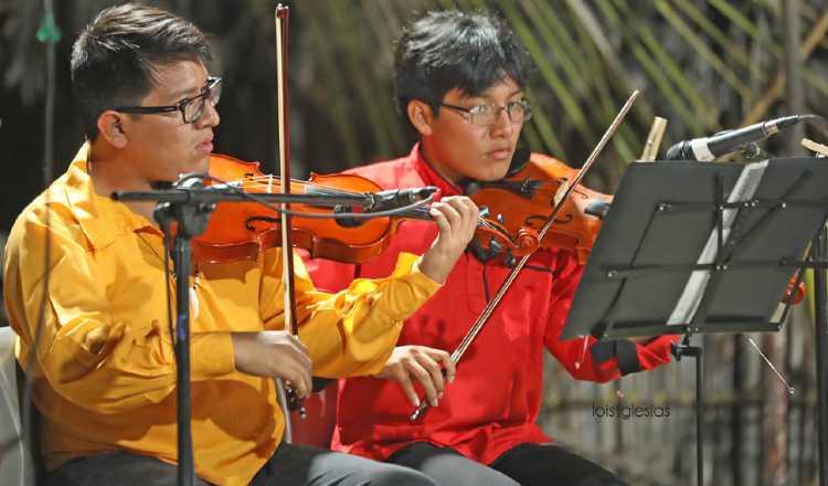 Son jóvenes gunas que viven en la ciudad y combinan la música propia de su pueblo, con otros ritmos. Cortesía